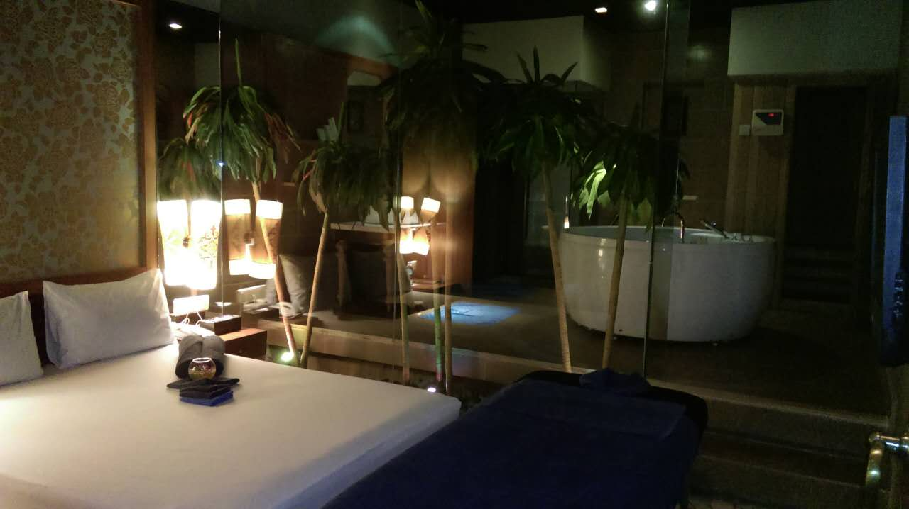 Nagaworld Spa Room